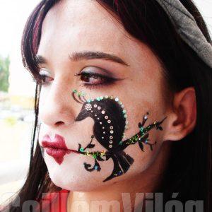Feketemesemadár-arcfestés