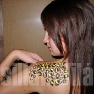 Leopard csillámtetoválás